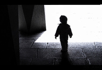 Ps_child_in_doorway_sorrenta_flic_2