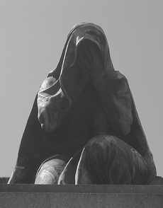 Veiled_woman_weeps_by_djmount13_at_